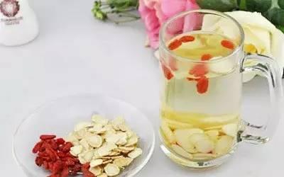 黄芪和枸杞泡水喝有什么作用